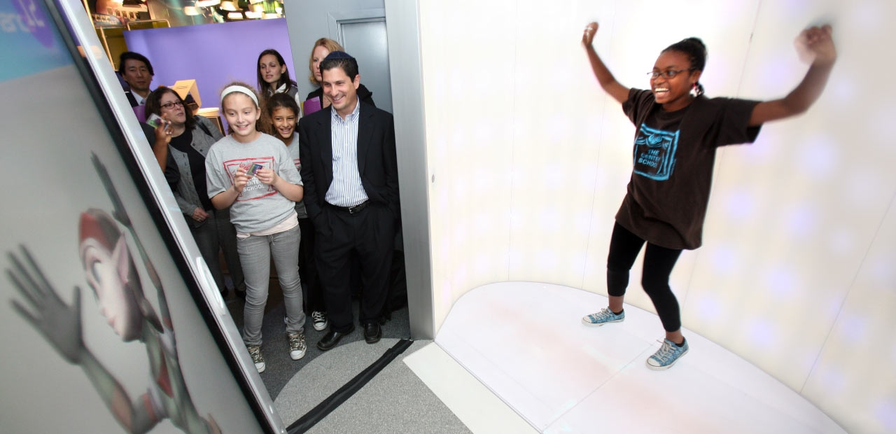 Unified Field Interactive Studio created a number of 3D Animated models for the Sony Wonder Technology Lab which users can control with gesture recognition technology.